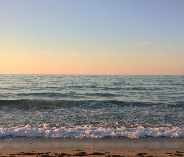 Varpaat ja meri (2)